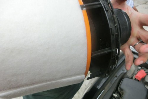 图文详解 教你清洁更换奥迪A6L空气滤芯