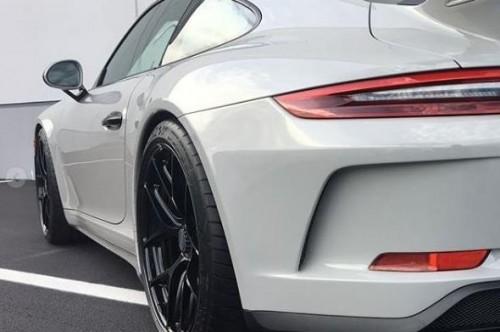 保时捷911 GT3改装 新款五双辐条滚轮设计